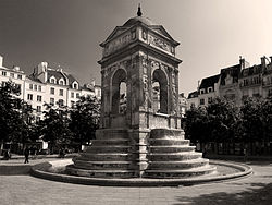 P1240958 Paris Ier place joachim du Bellay fontaine des Innocents rwk.jpg
