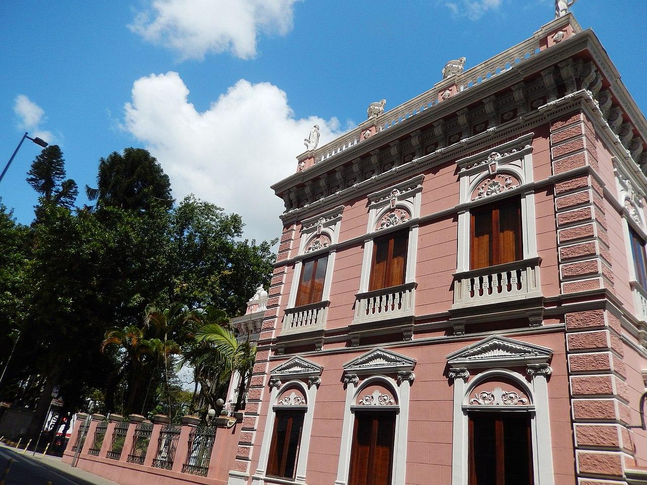 File:Palácio Cruz e Souza, um museu a altura de Florianópolis.jpg -  Wikimedia Commons
