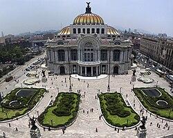 פאלאסיו דה ביאס ארטס (הארמון לאמנויות יפות) במקסיקו סיטי