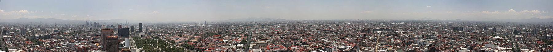 Panorama van Mexico-Stad vanaf de Torre Latinoamericana, mei 2014