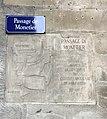 Passage de Monetier - plaque de rue et inscriptions.JPG