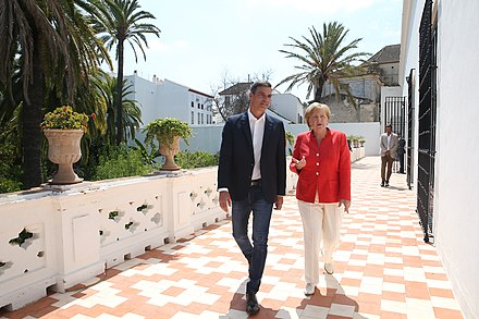 Spanish PM Sanchez and Chancellor Merkel in a meeting about migration in Andalusia, Spain in 2018 Pedro Sanchez y Angela Merkel 05.jpg
