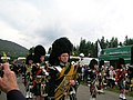 Pipers at Braemar 2005 - panoramio.jpg