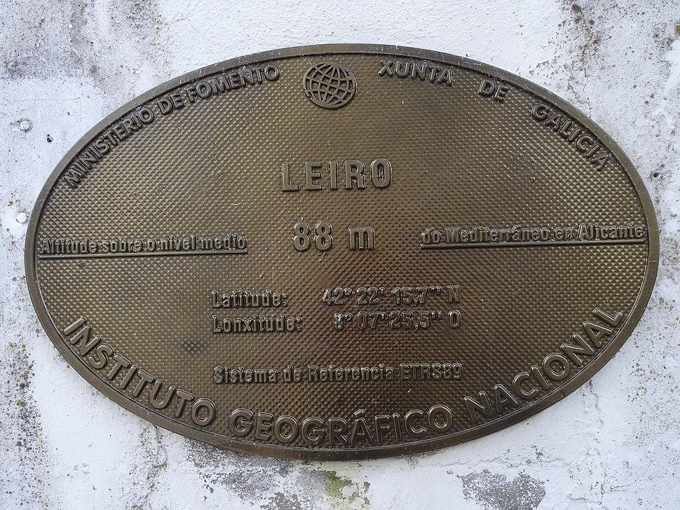Placa altimétrica concello Leiro, Ourense