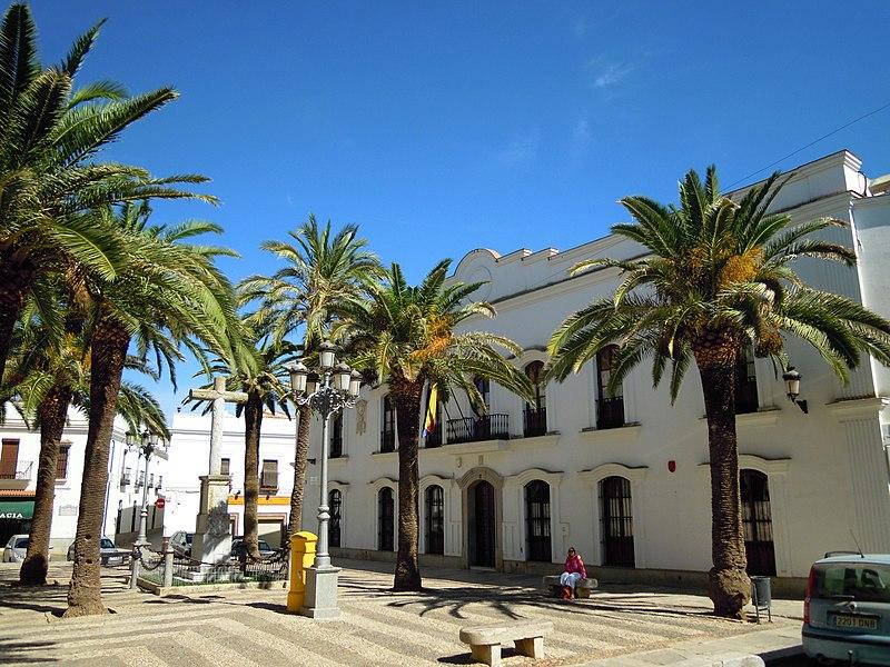 Plaza de la Constitucion Fuento de Cantos Spain 22 09 2012.JPG