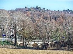 240px-Pont_Calavon.JPG
