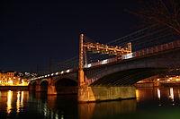 Pont Perrache nuit.jpg