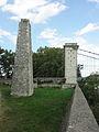 Pont du Robinet sur le Rhône, Donzère, pyramide et portique ouest.JPG