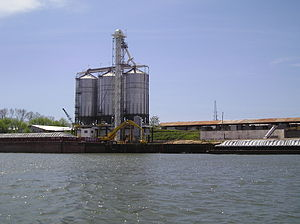 Port of Decatur - Bunge North America bulk liquid storage facilities at the port.