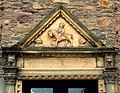Portal über dem Eingang zum Pferdestall.jpg