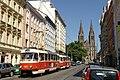 Praha, Jugoslávská, tramvaj 7051.jpg