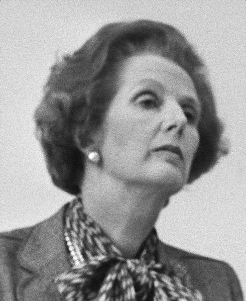 File:Premier Thatcher (l) en premier Lubbers tijdens een persconferentie, Bestanddeelnr 932-7047 (cropped).jpg