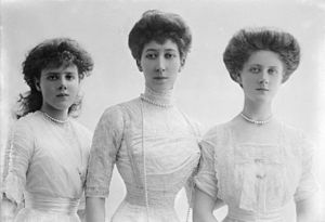 Louise, Princess Royal - The Princess Royal with her daughters Princesses Maud, left, and Alexandra, ca. 1911.