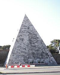 Pyramid of Caius Cestius 2.jpg