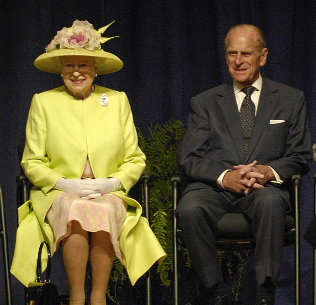 File:Queen Elizabeth II and Prince Philip visiting NASA, May 8, 2007.jpg