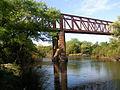 """Río Santa Lucía, 25 de Agosto, puente ferroviario """"grande"""".jpg"""