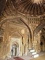 Rajon ki Baoli mosque interior – mihrab.jpg