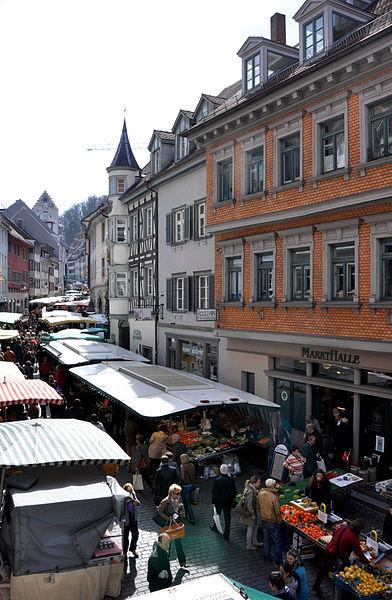 File:Ravensburg Wochenmarkt 2012 01.jpg