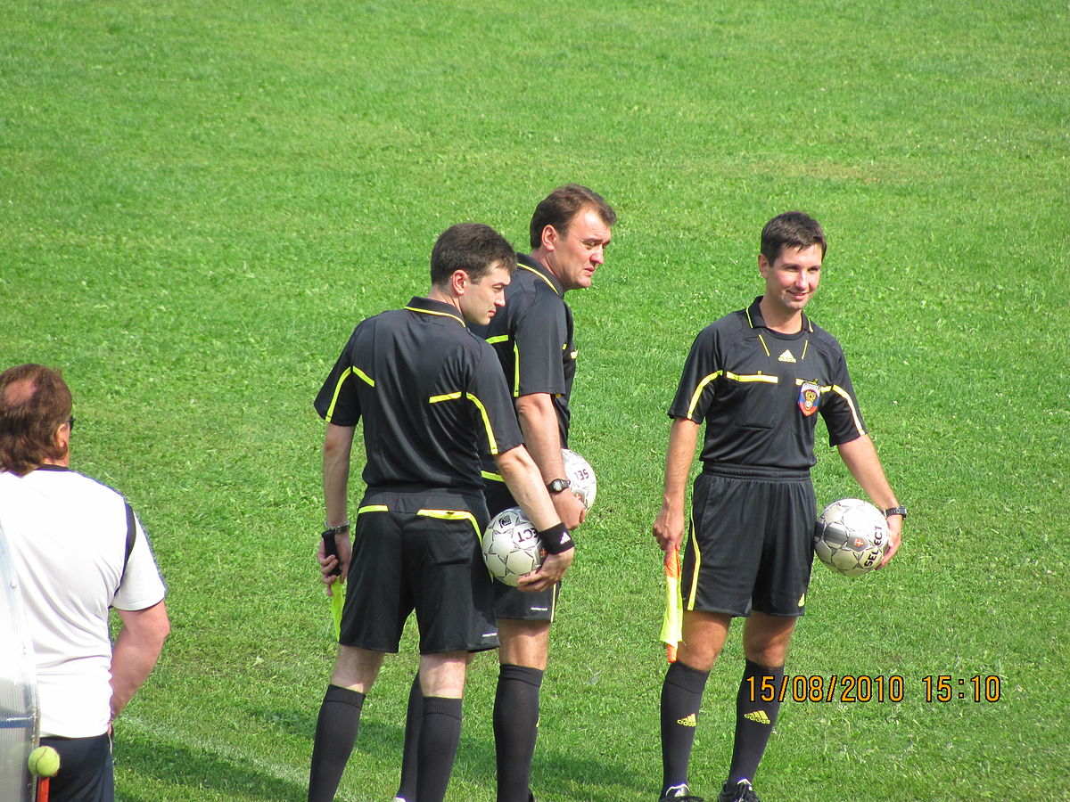 Судья футбол Википедия