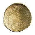 Regenboogstater in goud, 175 tot 125 VC, vindplaats- Beringen, Hazendonkstraat, 1995, collectie Gallo-Romeins Museum Tongeren, GRM 9210, 006.jpg