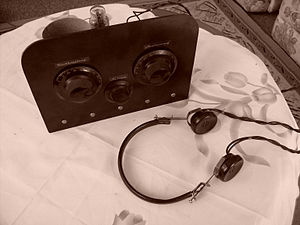 Regenerative circuit - Homebuilt Armstrong one-tube regenerative shortwave radio with construction characteristic of the 1930s - 40s. The controls are (left) regeneration, (lower center) filament rheostat, (right) tuning capacitor.