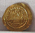 Regno longobardo, emissione aurea a nome di maurizio tiberio, zecca di pavia, 600-650 ca. 02.JPG