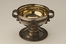 File:Replica of the Ardagh Chalice.jpg
