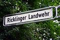 Ricklinger Landwehr, Hannover-Ricklingen, Straßenschild vor der Stadtgrenze zu Hemmingen-Westerfeld im Ricklinger Holz nahe der Ihme-Brücke an der Göttinger Landstraße (B3).jpg