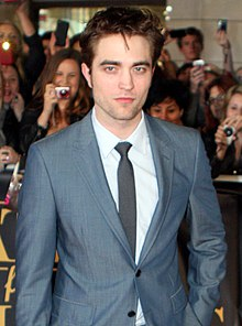 Википедия: Robert Pattinson at Wikipedia: 220px-Robert_Pattinson_2011