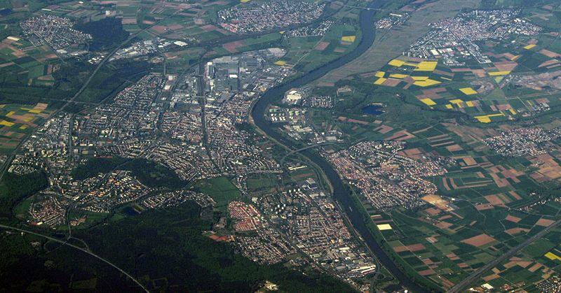 File:Ruesselsheim Luftbild.jpg