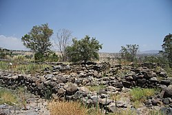 Ruins of Bethsaida village in summer 2011 (5).JPG