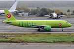 S7 Airlines, VQ-BRD, Airbus A320-214 (30233035236).jpg