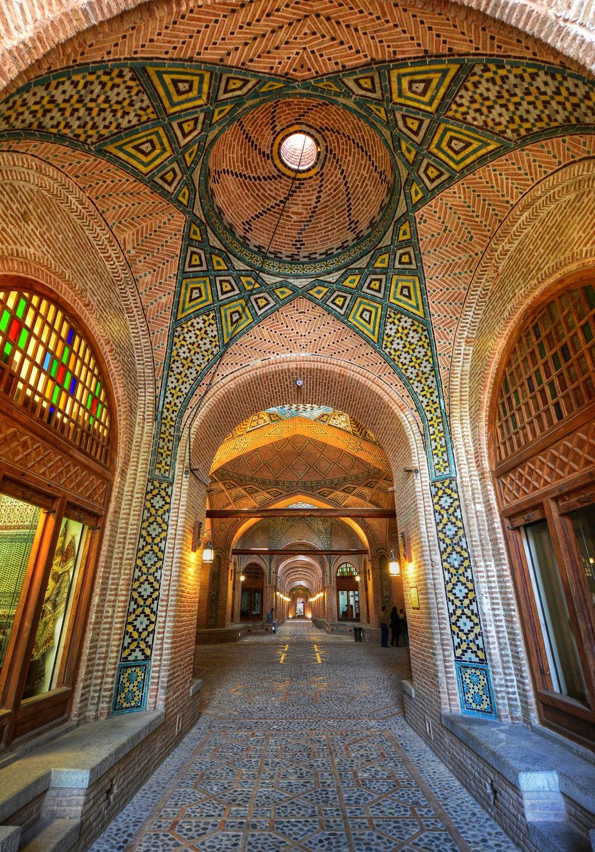 File:Sa'd al-Saltaneh Caravanserai in Qazvin.jpg - Wikimedia Commons