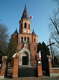 Sacred Heart church in Lubień Kujawski (2).jpg