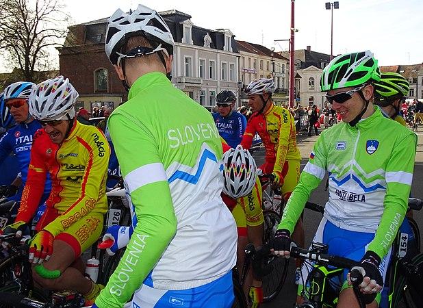 Saint-Amand-les-Eaux - Paris-Roubaix juniors, 12 avril 2015, départ (A44).JPG