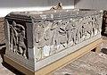 Sarcofago con scene di battaglia e geni funerari, 01.jpg