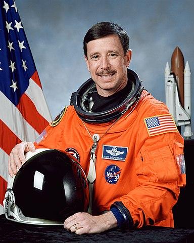 Astronaut Scott J. Horowitz, NASA photo Source: Wikipedia (spaceflight.nasa.gov killed 25 Feb 2021) 384px-Scott_J_Horowitz.jpg