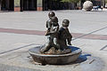Sculpture in the square of El Pilar Zaragoza Z17.jpg