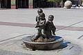 Sculpture in the square of El Pilar Zaragoza Z17.jpg