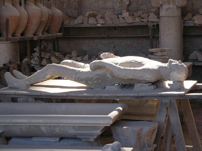 File:Shabbytravel Pompeii Body.jpg