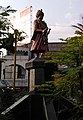 Shahu Maharaj statue at Mill Corner, Aurangabad 01.jpg