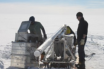 Shallow ice core drilling (danish Hans Tausen drill) 2.jpg