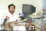 Shri Jay Prakash Narayan Yadav assumes the charge of the Minister of State for Water Resources in New Delhi on May 25, 2004.jpg