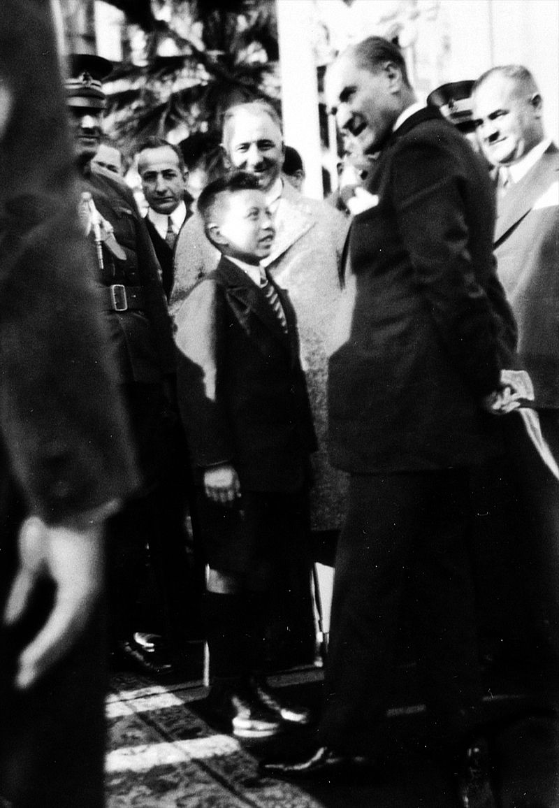 Mustafa Demir és Atatürk - Forrás: Wikipédia