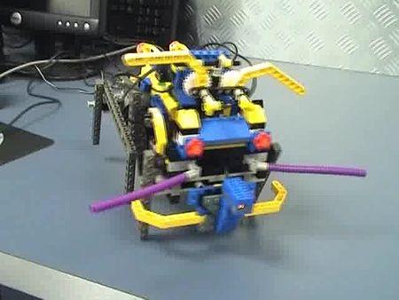File:Simple Walking Lego Robot.ogv