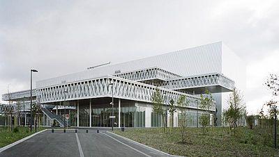La sede di Pierrefitte-sur-Seine progettata da Fuksas. Gli Archivi  nazionali francesi ... 84a0b7f5c9a0