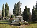 Slavičín, hřbitov, jubilejní kříž.jpg