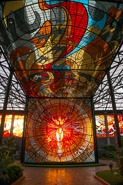 File:Some of the magnificent stained glass inside the Cosmovitral, Toluca, Mexico..jpg