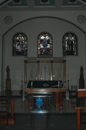 Walworth - St. Peter's Church, Walworth's altar