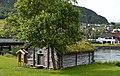 Stryn Holzhaus am Fluss.jpg